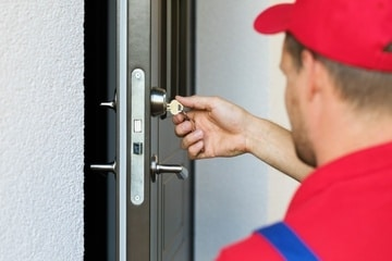 Man-Installing-new-door-lock