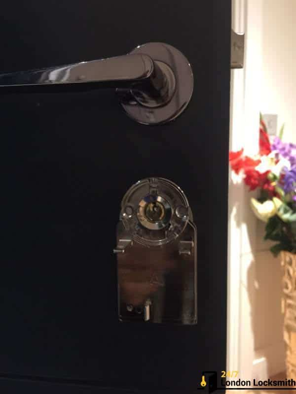 open your lock with smartphone london uk