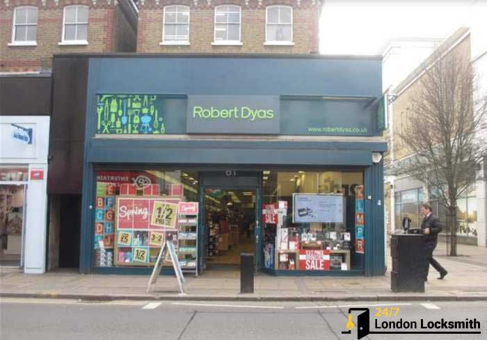 robert dyas lock exchange